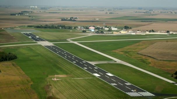 Runway-06-Fort-Dodge-607x342