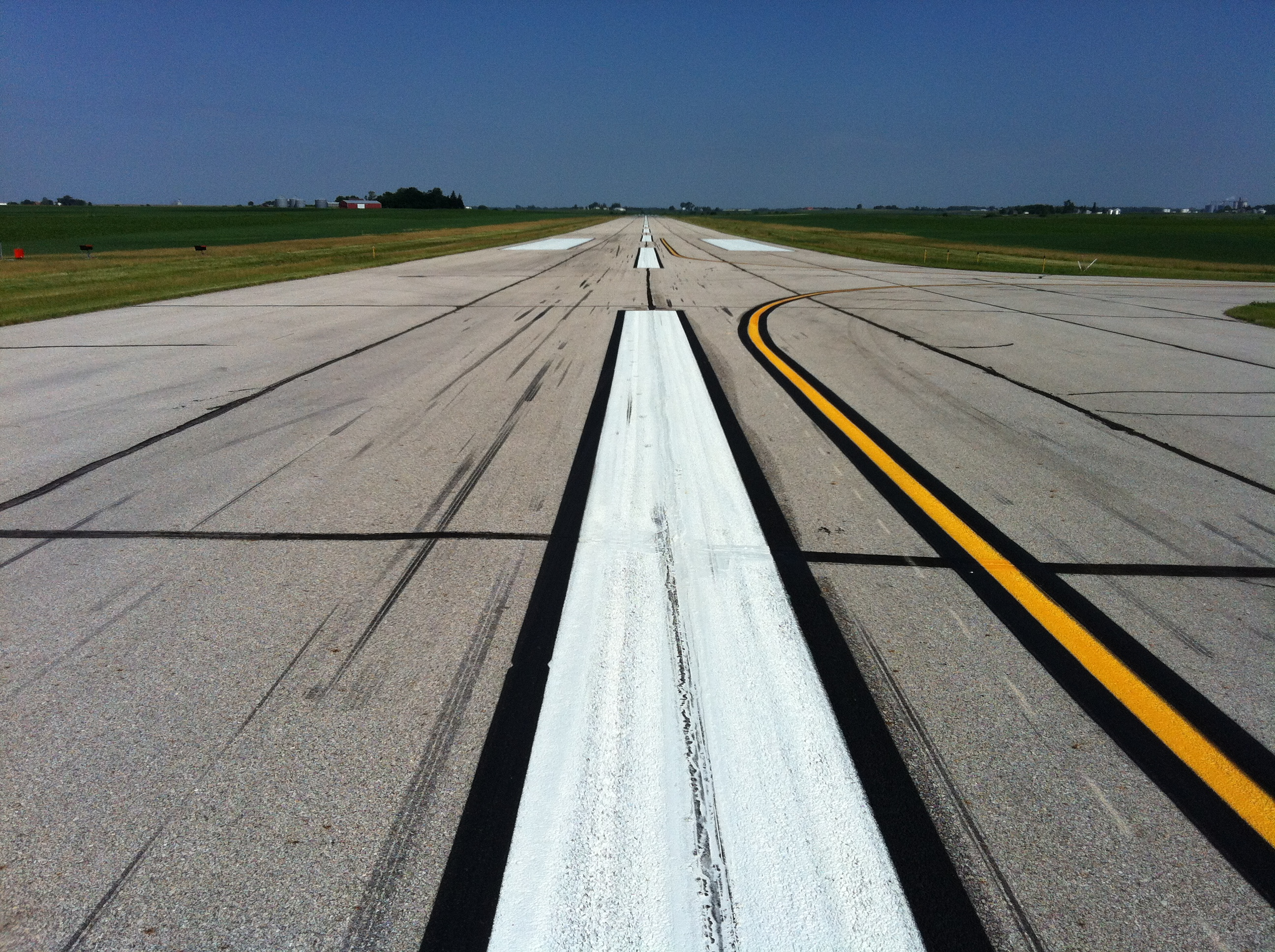Runway image of Iowa Falls Municipal Airport Apron Expansion