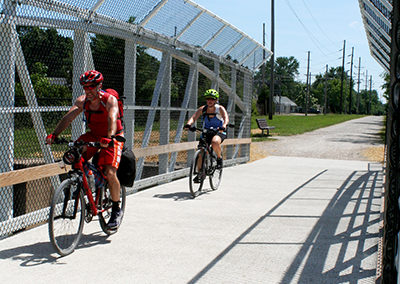 Katy-Trail-Overpass_Bike-Riders_400
